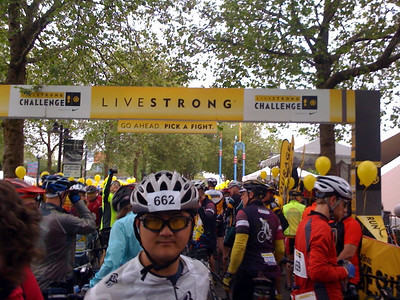 909537435 KxYP4 S Photos from the LIVESTRONG Challenge